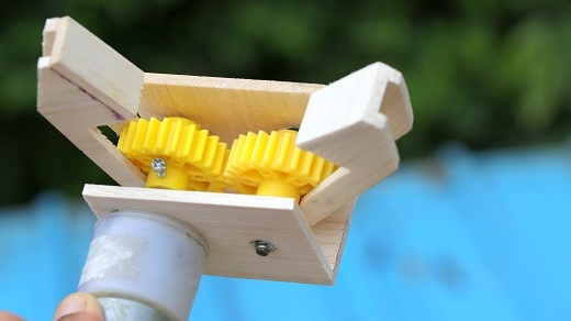 make robotic arm gripper